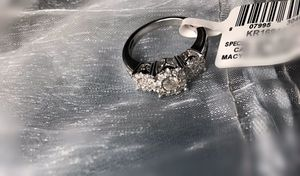 Engagement/married ring for women, 14k gold white gold, 3/4 c.t t.w diamond size 7 for Sale in Silver Spring, MD