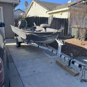 12ft Aluminum Boat w/ Trailer for Sale in Hughson, CA