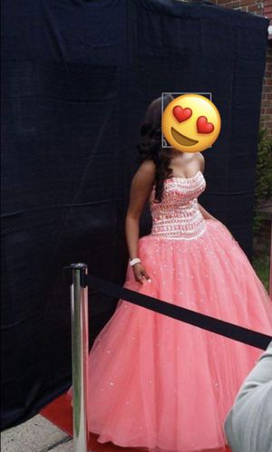 size 8 prom dress worn once! for Sale in Detroit, MI
