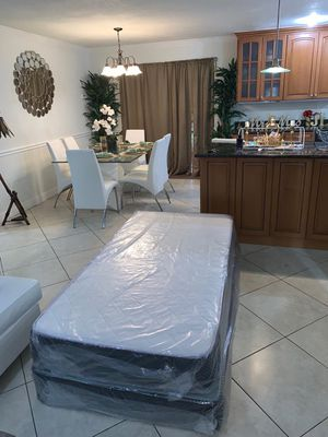 New twin mattresses and box springs DELIVERY AVAILABLE for Sale in Pembroke Pines, FL