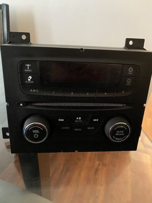 chysler stock radio for Sale in Cleveland, OH