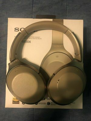 Sony MDR-1000X Wireless Bluetooth Noise Cancelling Headphones Beige! for Sale in Houston, TX