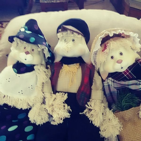Sell as a lot grandma grand pa an fossil porcelin heads all rabbits house of lloid