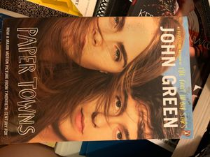 Paper towns by John Green, paperback for Sale in Charlotte, NC