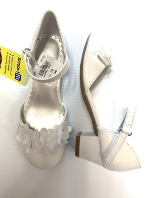 Girls dress shoes with flower size 12 white for Sale in Arlington, TX