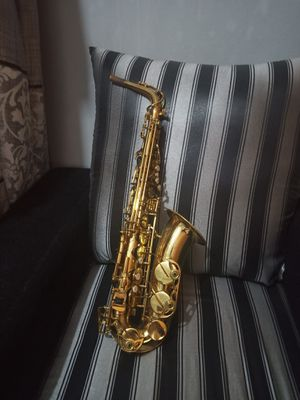 Yamaha YAS-23 Alto Saxophone with Hard Case for Sale in Los Angeles, CA