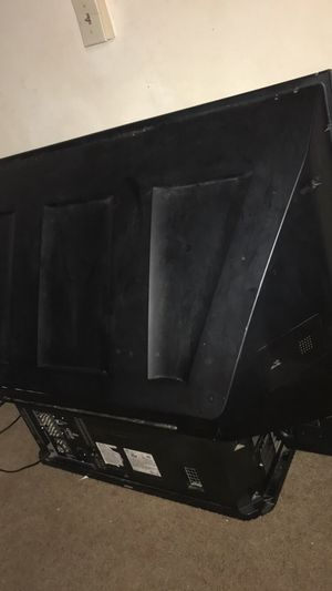 Jvc old tv 60 inch for Sale in Columbus, OH