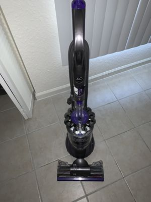Dyson Animal 2 Vacuum for Sale in Hollywood, FL