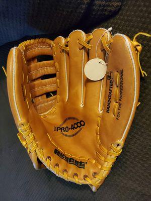 "Regent 12"" Deerskin Baseball Glove/Softball Glove for Sale in Long Beach, CA"