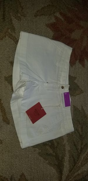 Mossimo supply white shorts sz 7 nwt! for Sale in Fresno, CA