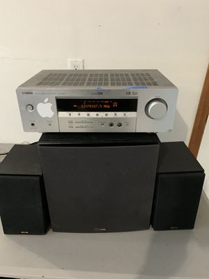 YAMAHA stereo receiver system in real good condition for Sale in Gresham, OR