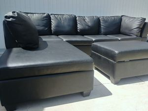 Leather Sectional Couch With Ottoman for Sale in Las Vegas, NV