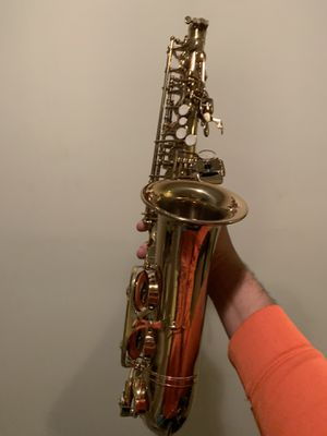 saxophone in good quality, very willing to negotiate on price for Sale in Glyndon, MD
