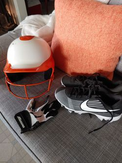 Softball helmet, cleats, and right handed glove for Sale in Mount Angel,  OR