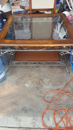 Coffee table $50 for Sale in Ontario, CA
