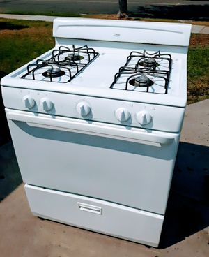 *Excellent * GAS oven stove *Good* ( 30 inch .....was $260 for Sale in Anaheim, CA