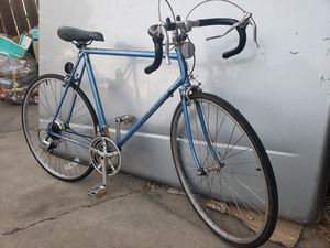 miyata road bike for Sale in Pico Rivera, CA