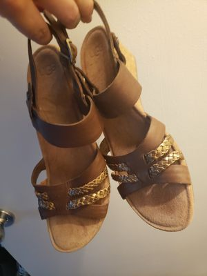 UGGS Wedges size 7 (Never Worn) for Sale in Dunedin, FL