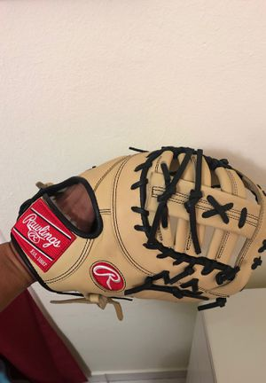 Rawlings firts base glove for Sale in Miami, FL