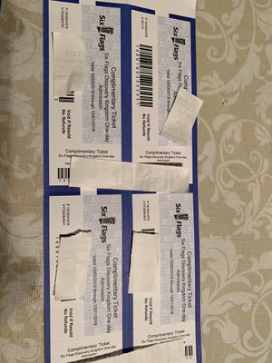 8 six flags tickets all $200 exp December 1st for Sale in Fresno, CA