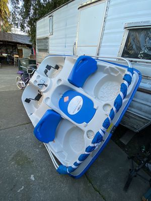 SUN DOLPHIN 5 PERSON PEDAL BOAT for Sale in Redwood City, CA