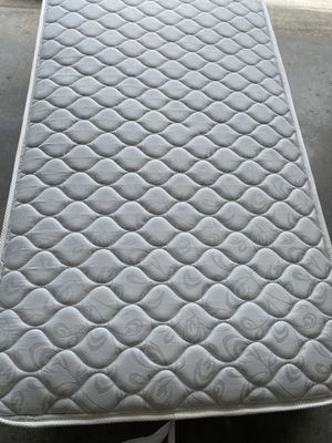 Twin mattress frame for Sale in Davenport, FL
