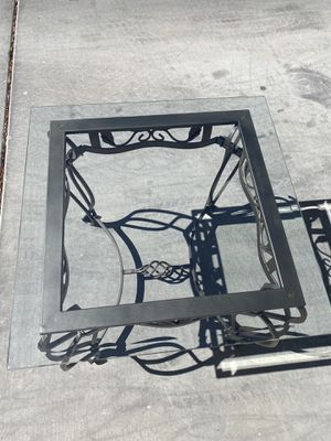 Coffee table with glass top and end table for Sale in North Las Vegas, NV