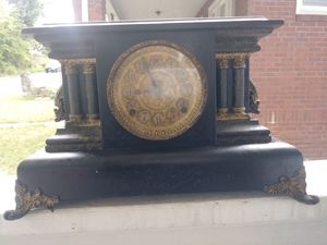 antique mantle clock.. for Sale in Columbus, OH