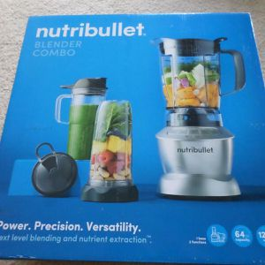 New NutriBullet Blender Combo 1200W for Sale in Austin, TX