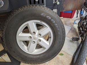 Jeep rim and tire 245 75 16 new Goodyear for Sale in Los Angeles, CA