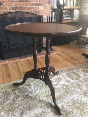Beautiful Antique Round Table for Sale in Federal Way, WA