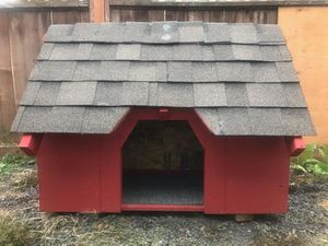 Custom built fully insulated dog house for Sale in Vancouver, WA