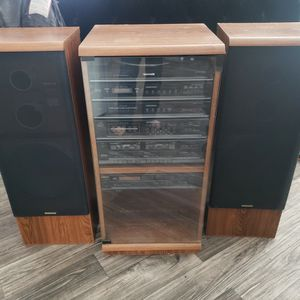 Vintage MAGNAVOX stereo System for Sale in North Las Vegas, NV