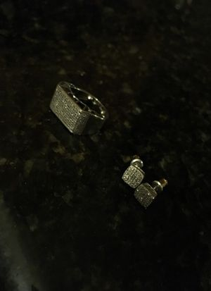 10kt white gold earrings with real diamonds for Sale in Salinas, CA