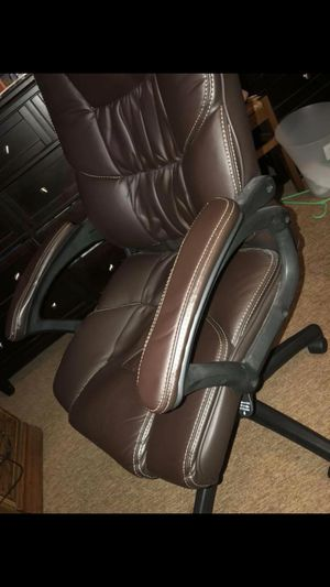 Desk chair for Sale in Wichita, KS