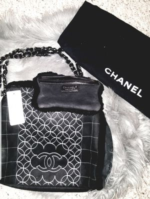 AUTHENTIC CHANEL 2005 Fall Collection Black Shoulder Bag for Sale in Aurora, CO