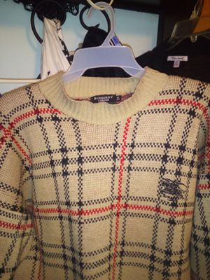 Burberry sweater 2 xl for Sale in San Pablo, CA