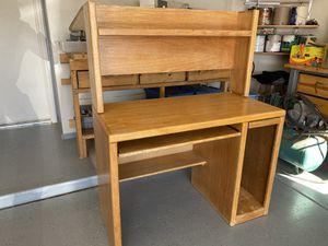 Computer desk for Sale in Gilbert, AZ