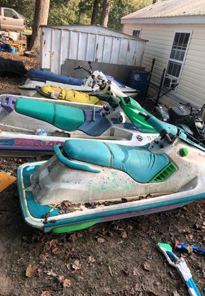 9 jet skis some with engines some without. If you can haul em you can have em. Trailer included for $100. for Sale in Federalsburg, MD