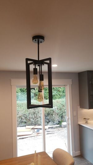 Light fixture/ chandelier for Sale in Milton, WA