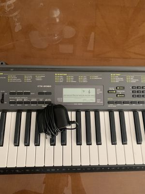 Keyboard piano for Sale in Lawrenceville, GA