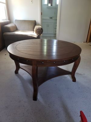 Coffee table for Sale in WILOUGHBY HLS, OH