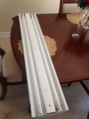 4 foot Fluorescent light fixture for Sale in Raleigh, NC