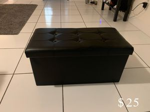 Faux leather ottoman for Sale in Miami, FL