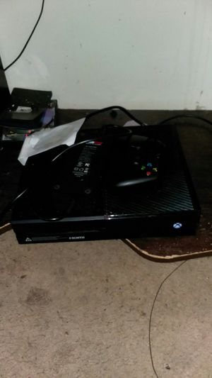 Xbox one great condition comes with everything you see in the pics for Sale in Columbus, OH