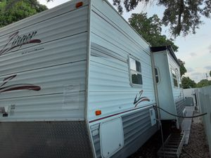 2006 RV zinger by crossroads good condition clean title for Sale in Miami, FL