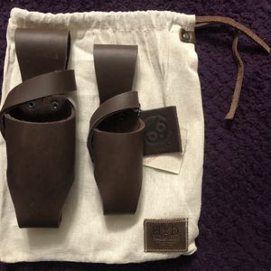 2 Hide & Drink Leather Carriers for Sale in Hacienda Heights, CA