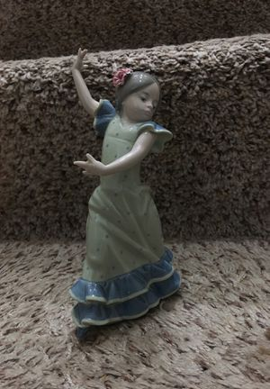 "Lladro ""Lolita"" Figurine for Sale in Aurora, IL"