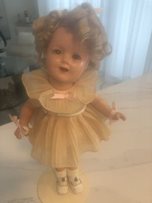 Antique Shirley Temple doll for Sale in Fort Lauderdale, FL