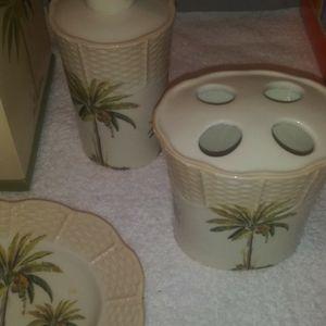 Palm Tree Bathroom Set for Sale in Corona, CA